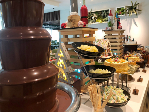 oth-chocolate-fountain-with-condiments-1